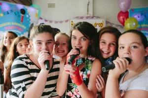 Karaoke birthday party for teens  (19)