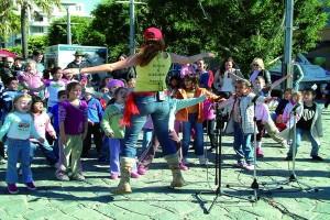 Kid's-disco-party-fun-celebrate