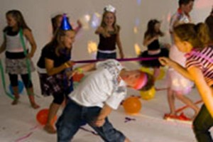 Party-children-disco-karaoke-birthday-idea