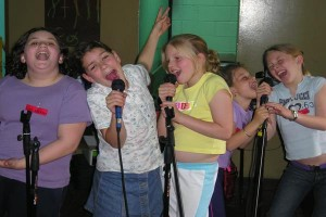 singing-dancing-games-birthday-party-kids