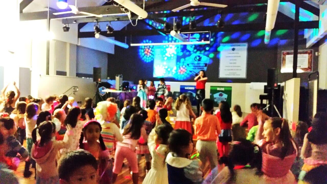 kids dancing disco a