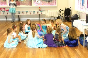 elsa-frozen-childrens-birthday-party
