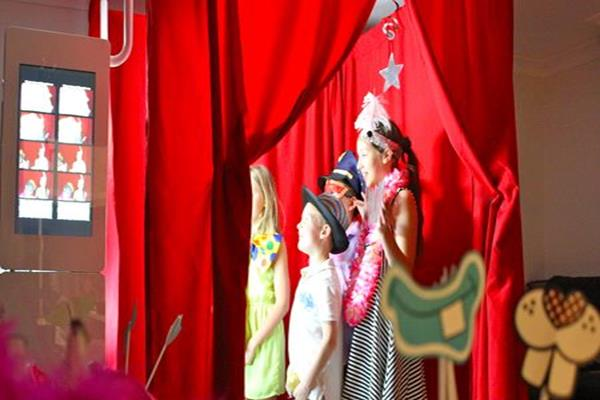 1 Photo booth hire for parties