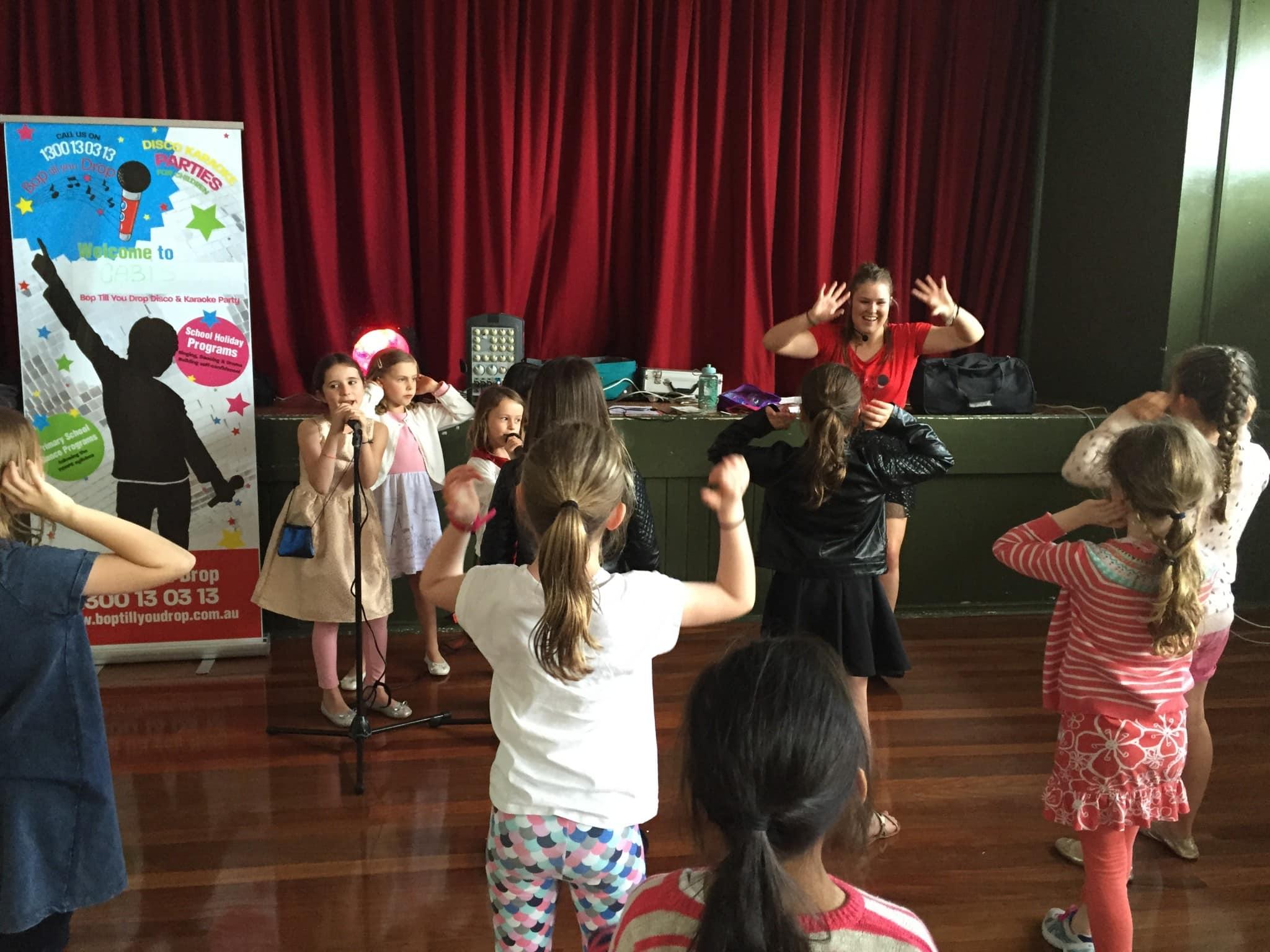 Children's karaoke party  (2)