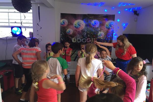 Karaoke parties  (3)