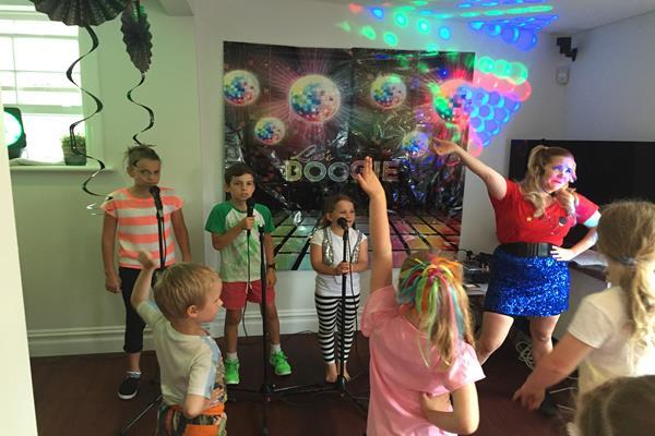Karaoke party for kids  (1)