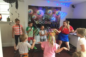 Karaoke party for kids (2)