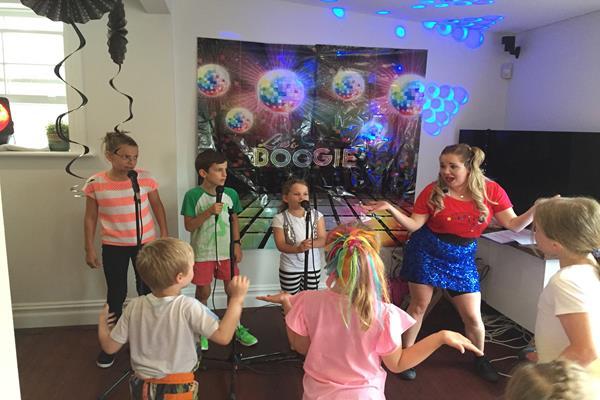 Karaoke party for kids  (2)
