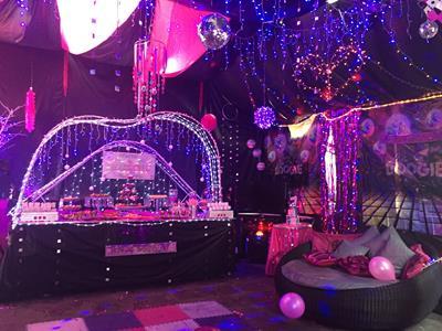 disco party decorations 1 - Disco Party Decorations