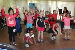 holiday-program-for-kids-dancing-singing-more-1